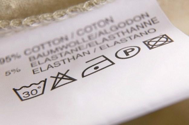 ¿Qué significan los símbolos de lavado en tu ropa?